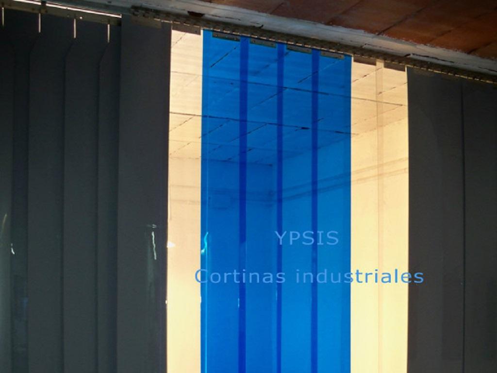 instalación de cortinas de lamas de PVC